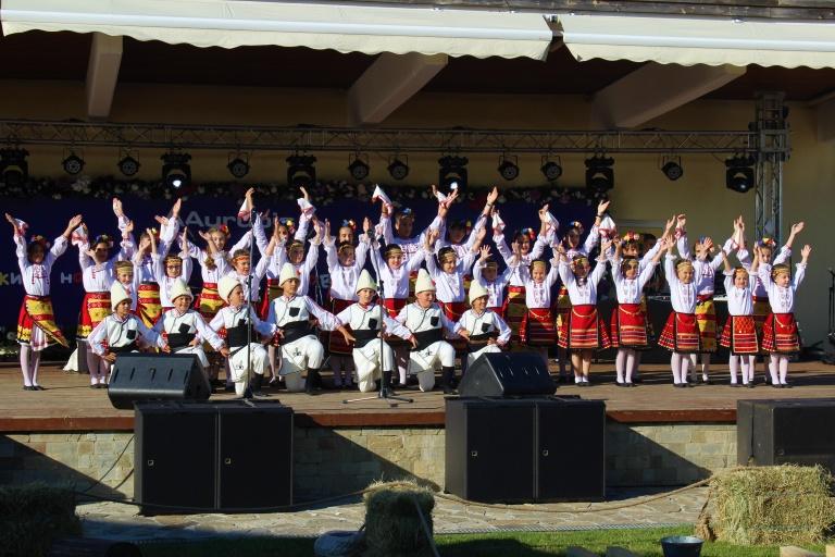 Detski tantsov sastav Srednogorche-3