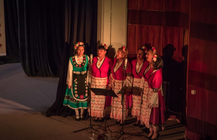 Vokalna grupa Srednogortsi-4