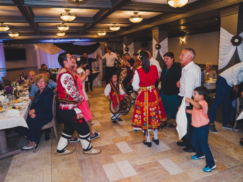 Svatba s folklorna programa ot Srednogortsi-63
