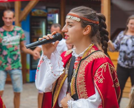 Tsvetina Gramova-Narodna pevitsa-2