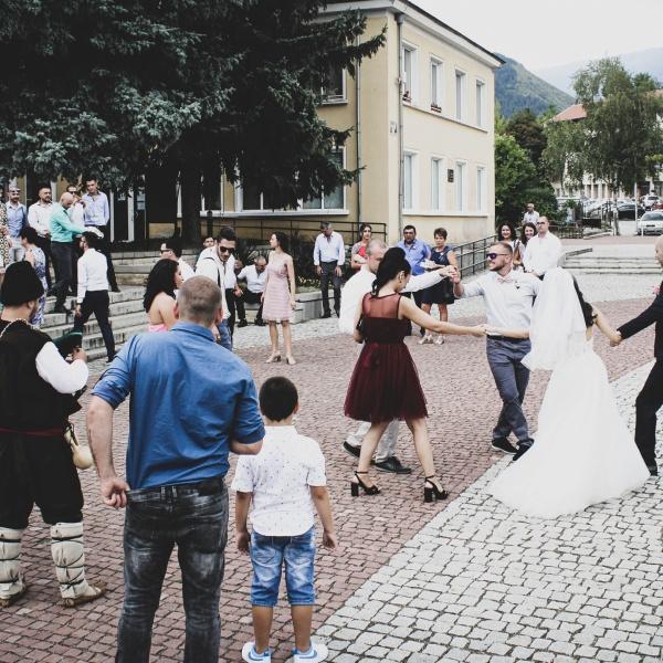 Svatba s folklorna programa ot Srednogortsi
